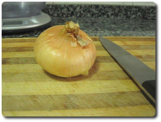 Vamos a picar una cebolla, en este caso cebolla gallega ;-)