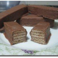 Obleas con chocolate, estilo Huesitos