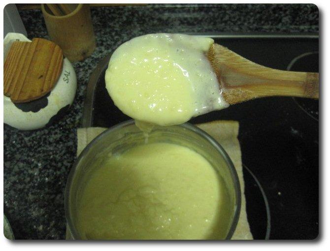Tras echarle, poco a poco, unos 200 ml. de nata líquida, queda así.